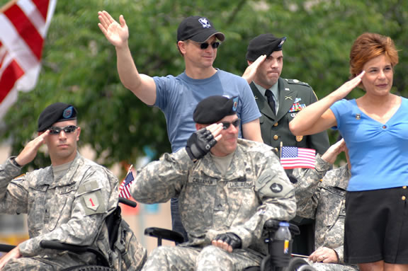 MONDAY: The 2009 National Memorial Day Parade on Constitution Avenue begins at 2 p.m. (Photo: NMDP Web site.)