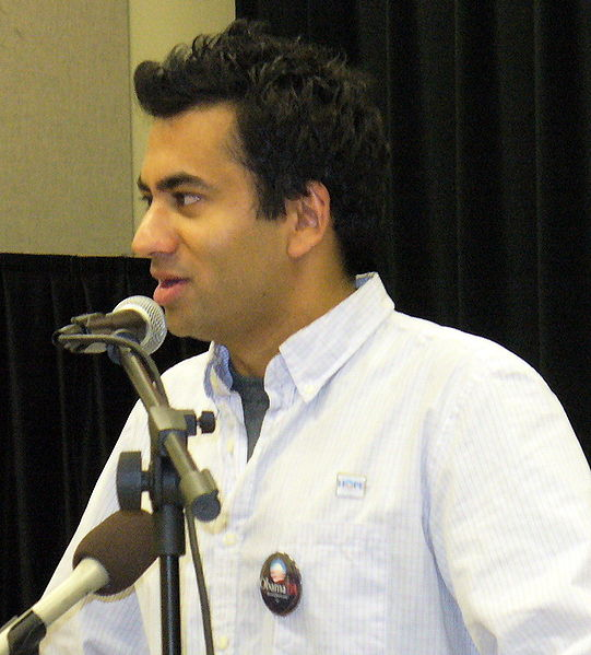 A source tells us she saw Kal Penn moving into his diggs in Borderstan this evening.