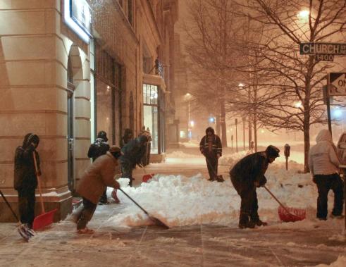 Luis Gomez Photos Logan Circle 14th Street NW Borderstan snowpocalypse