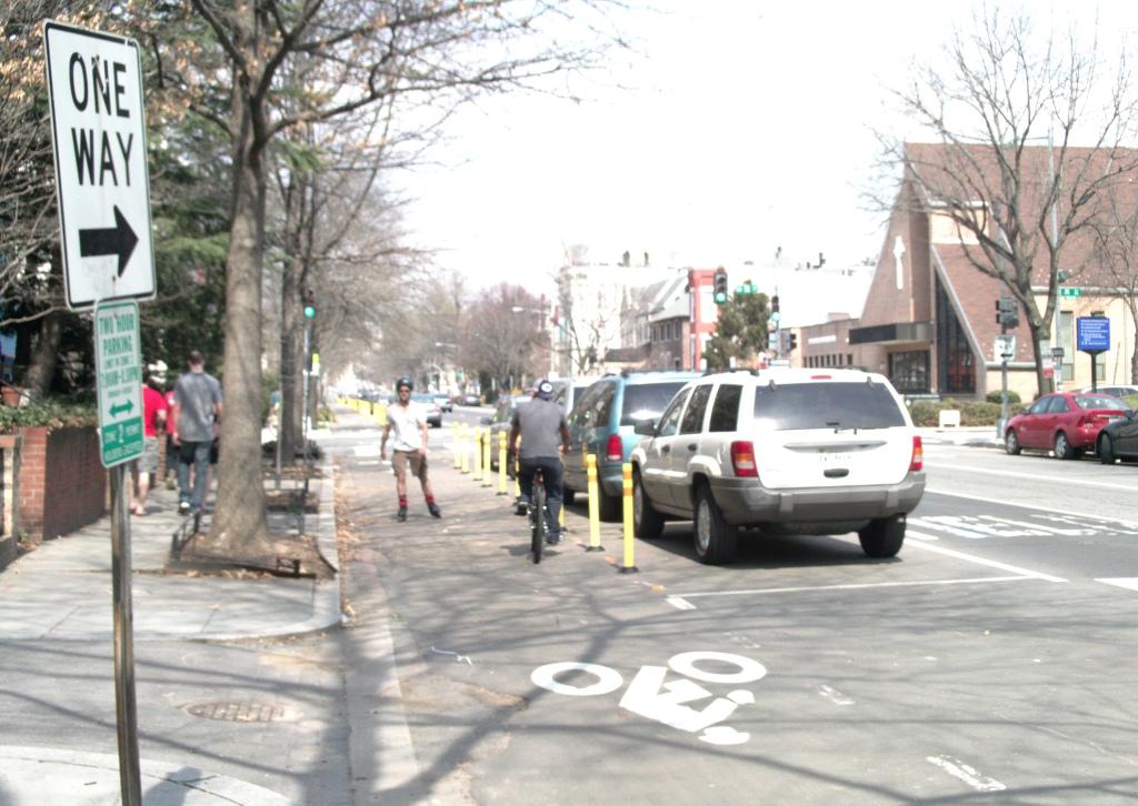 Borderstan 15th Street NW contraflow bike lane
